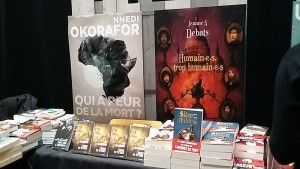 Stand des éditions ActuSF, dont la Loutre avait déjà parlé pour les super romans :«Les Poisons de Katharz» d'Audrey Alwett et «Le souper des maléfices» de Christophe Arleston !